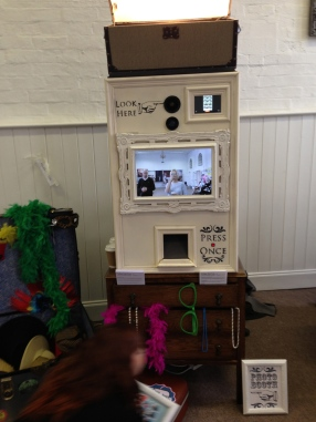 alternative photobooth wedding